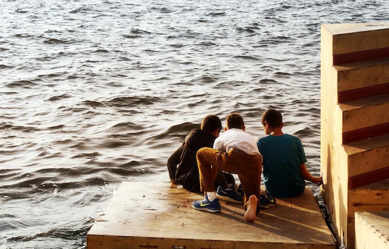 Floating dock fishing in izmir